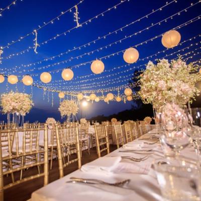Nên chọn Váy cưới cho tiệc được tổ chức ngoài trời?