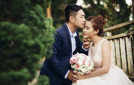 hoa cầm tay chụp ảnh cưới