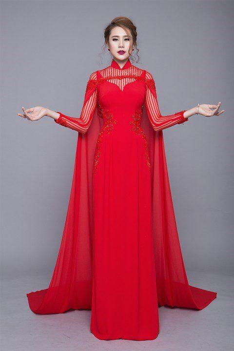 Áo dài cưới kèm áo choàng sang trọng, quý phái